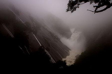 28)大雨の日の千尋(せんぴろ)の滝