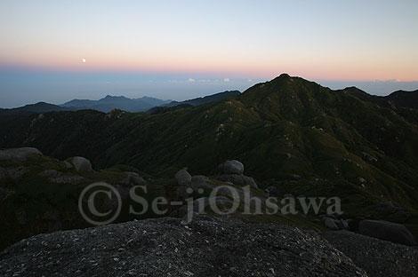 photo_mt_061104_04.jpg